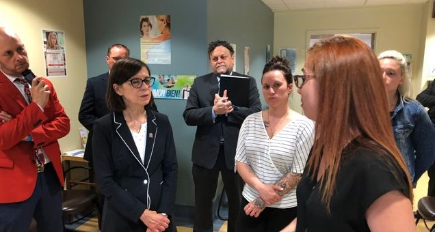 The Minister of Health and Social Services visits the Hôpital Notre-Dame-de-Fatima – The SPSICR-BSL welcomes Ms. McCann's initiative